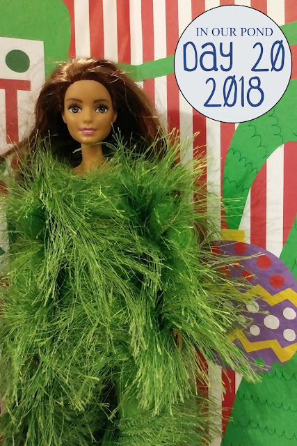Elf on the Shelf 2018 // In Our Pond // christmas // holidays // winter // elf // the grinch // green suit // fun fur // barbie fashion
