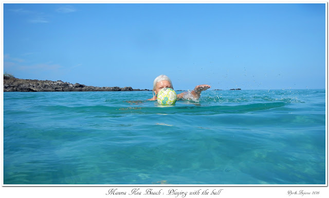 Mauna Kea Beach: Playing with the ball