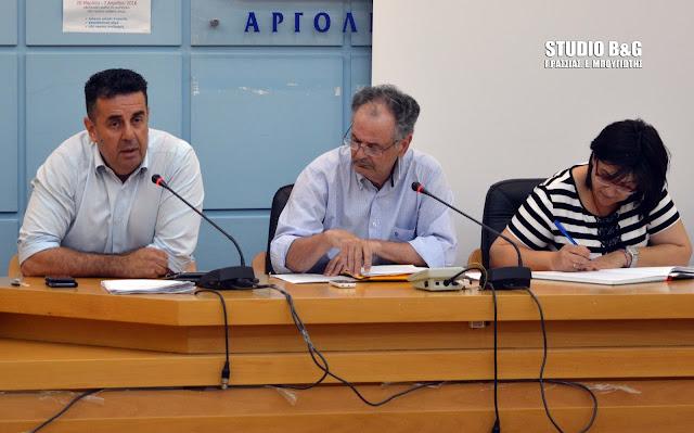 """Ο Κωστούρος """"άδειασε"""" τον Πρόεδρο της Δ.Κ. Ναυπλίου: Απαράδεκτη η εισήγηση για έκδοση ψηφίσματος για τη Μακεδονία (βίντεο)"""