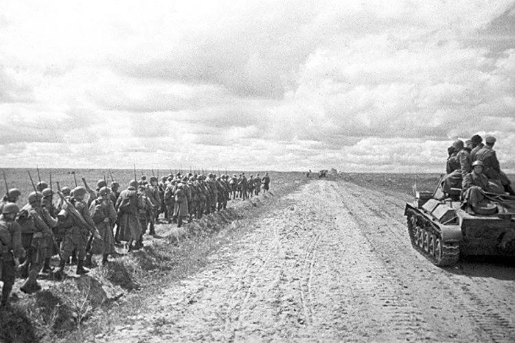 Hitler'in ordusu doğu cephesinde ilk büyük yenilgisini aldı.