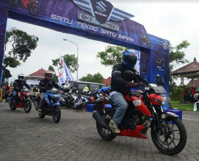 Touring_Suzuki_GSX_S_150_Malang_2017