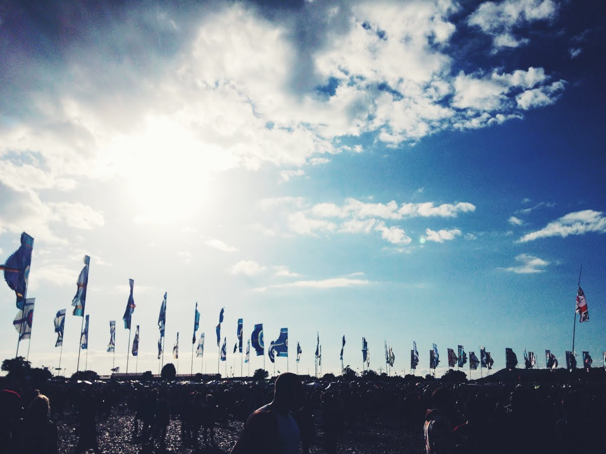 Glastonbury, festival, flags