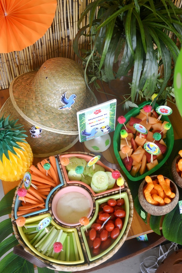 Rio Amazon Forest Jungle Inspired Party Food &nd Treats - via BirdsParty.com
