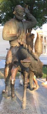 la statue de Mullah Nasruddin sur son âne à Boukhara