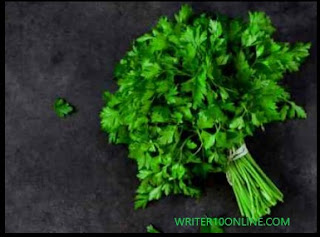 8 Potent Parsley Benefits for Good Health, Better Skin