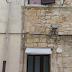 Casamassima (Ba). Lanciano un giovane dalla finestra causandogli lesioni per 40 gg s.c.. Arrestati dai Carabinieri tre pusher per spaccio di droga, tentata estorsione e lesioni aggravate [CRONACA DEI CC. ALL'INTERNO] [VIDEO]