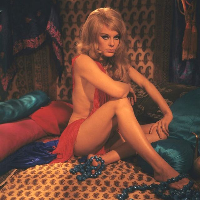 Yesterday Today 67 Stunning Photos Of Actress Elke Sommer -7748