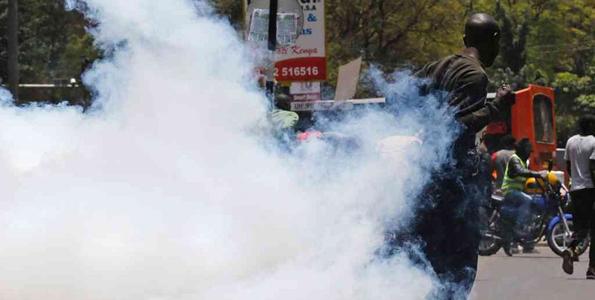 Polisi Watumia Mabomu Kuwatawanya Waandamanaji Nchini Kenya