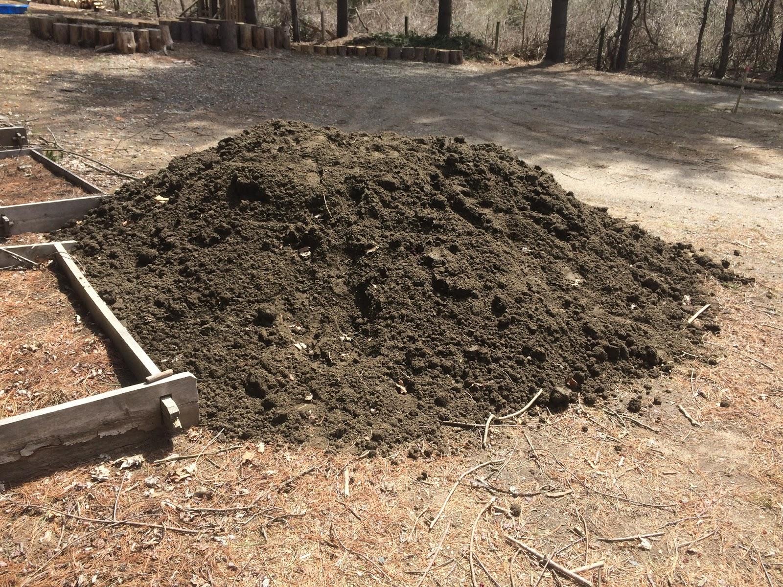 myrrhmalade: Mountain of Soil - Happy in the Gardens