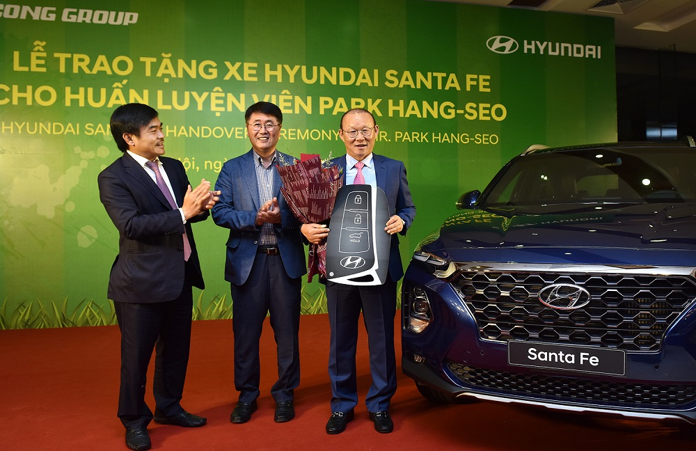 HLV Park Hang Seo được tặng xe Hyundai SantaFe giá 1,2 tỷ đồng