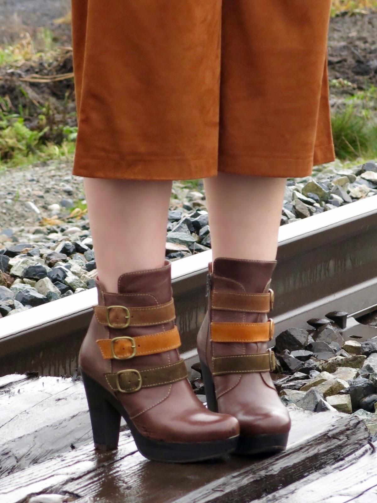 faux-suede culottes, Bruna platform booties