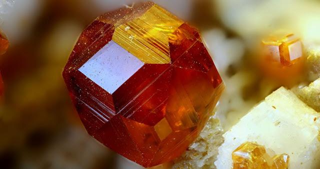 Mineral espesartina