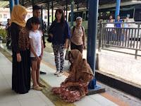 Astaga! Lama Menghilang, Artis ini Kepergok Sedamg Ngemis di Terminal Cirebon