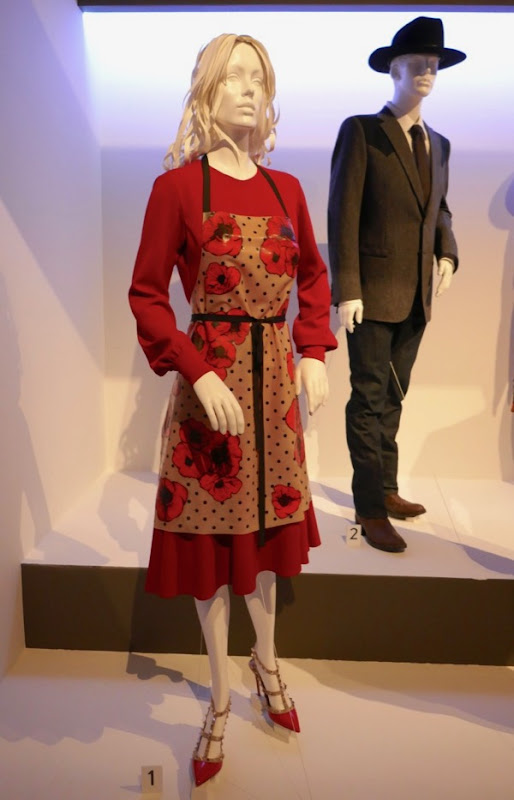 Julianne Moore Kingsman Golden Circle Poppy Adams costume