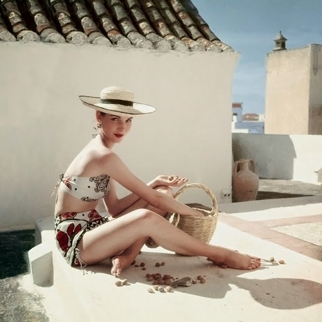 30 Beautiful Color Fashion Shots Of Women's Bathing Suits