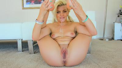 Gozando na loirinha de bucetinha lábios sensíveis Rockin Tight Teen Pussy, Alex Little Tiny4K Porn Videos - HD Tiny4K Sex