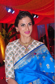Actress Model Shilpa Reddy Exclusive Stills in Blue Saree at Vijay Karan Aashna Wedding  0043.JPG