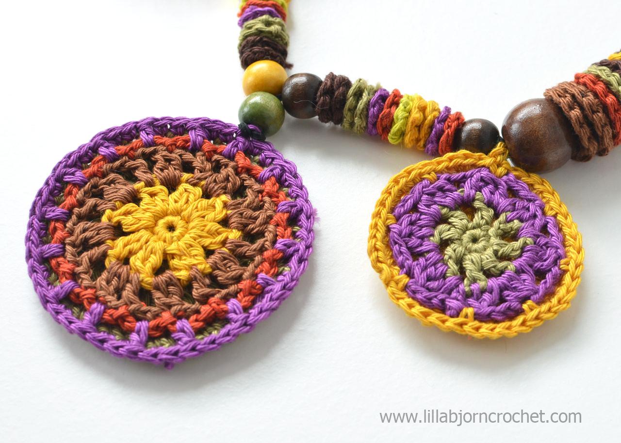 Crochet mandala necklace in African style - by Lilla Bjorn Crochet