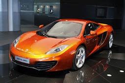 hobby of automotive designhobby of automotive designMcLaren Swaps Racetrack for Freeway to Chase-Down Ferrari.-AtoBlogMark-AtoBlogMark