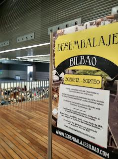 Cartel a la entrada del Desembalaje Bilbao