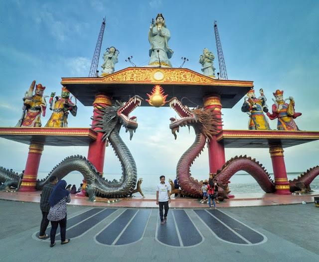Patung Dewi Kwan Im Klenteng Sanggar Agung Surabaya