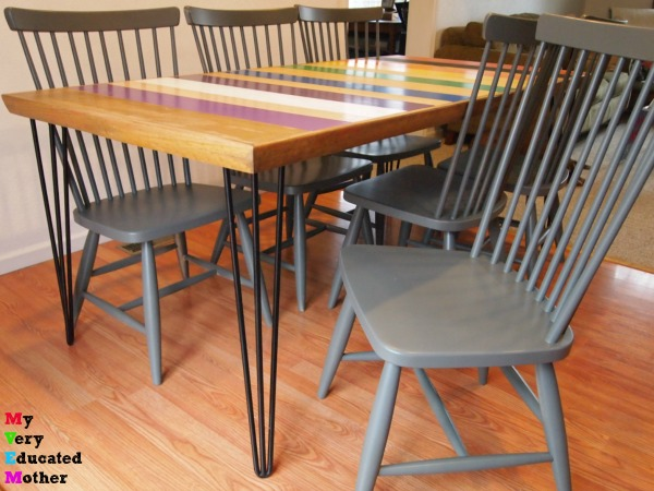 Looking for the fool-proof way to paint chairs? Use a sprayer!