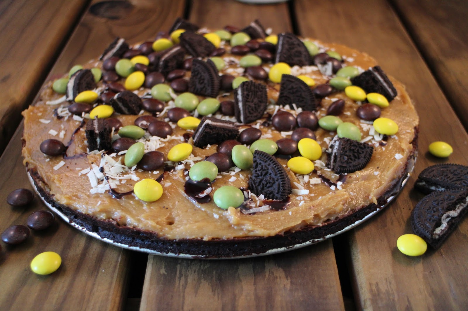 peanut-butter-brownie-pizza, pizza-dulce, brownie-pizza