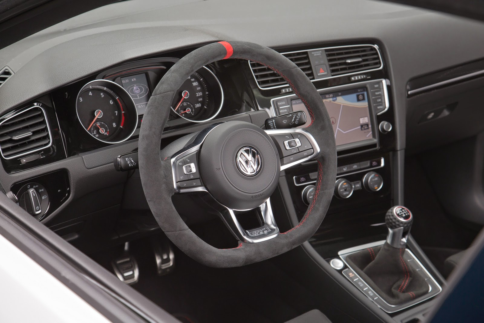 real shots of vw 39 s golf gti clubsport and it is going into. Black Bedroom Furniture Sets. Home Design Ideas