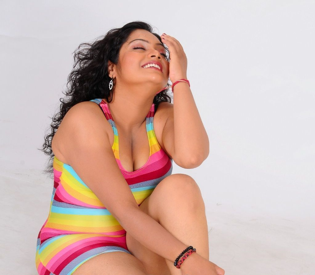 Rosa Indian Hot Chubby Actress Photoshoot  Actress And -1342