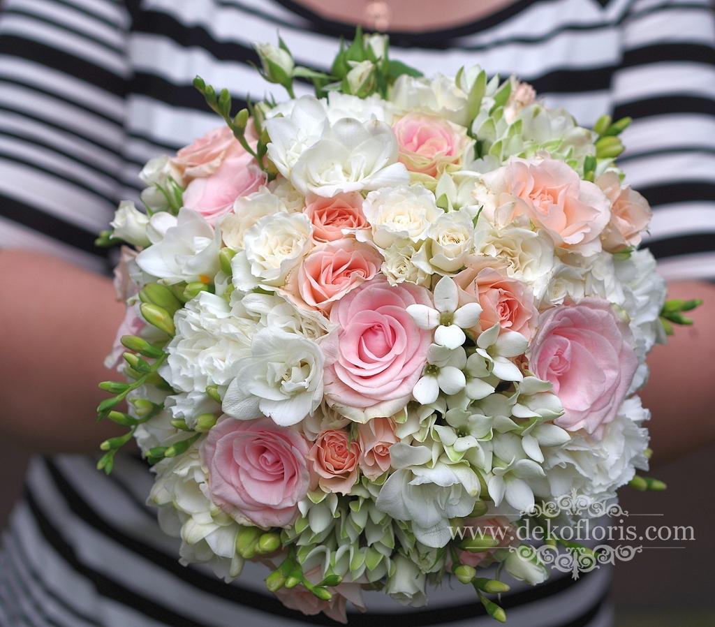 Bukiet ślubny pudrowy róż