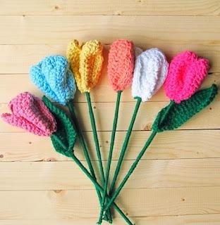 http://translate.googleusercontent.com/translate_c?depth=1&hl=es&rurl=translate.google.es&sl=en&tl=es&u=http://www.littlethingsblogged.com/2014/03/crochet-spring-tulips_27.html&usg=ALkJrhjODlfYRUbKzyR4noccMw5VQpmYOQ