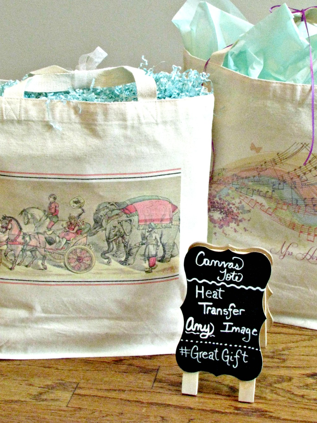 Adorable Tote with Vintage Elephant Printable