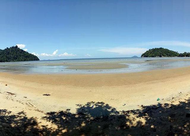 Wisata pantai pulau datok kayong utara