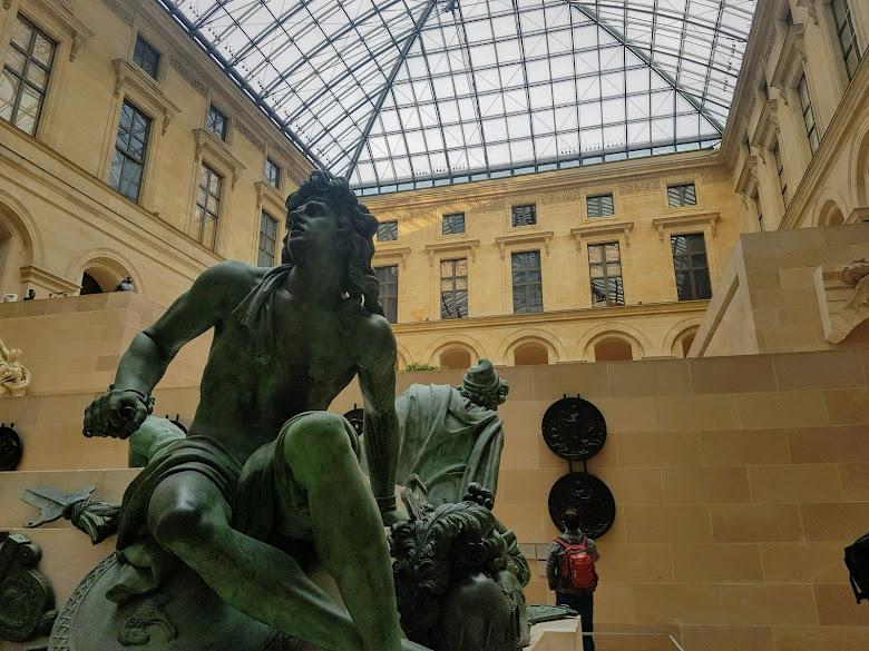 羅浮宮室內展區