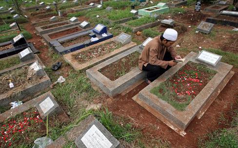 Diminta Rasul Beri Salam Saat ke Kuburan, Benarkah Mayit Bisa Menjawabnya?