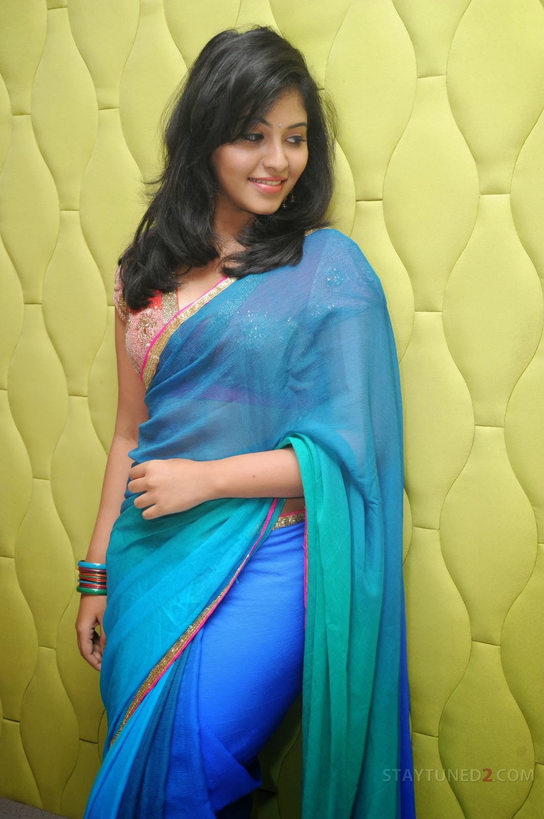 Anjali in saree, masala photos in saree, spicy pics in saree