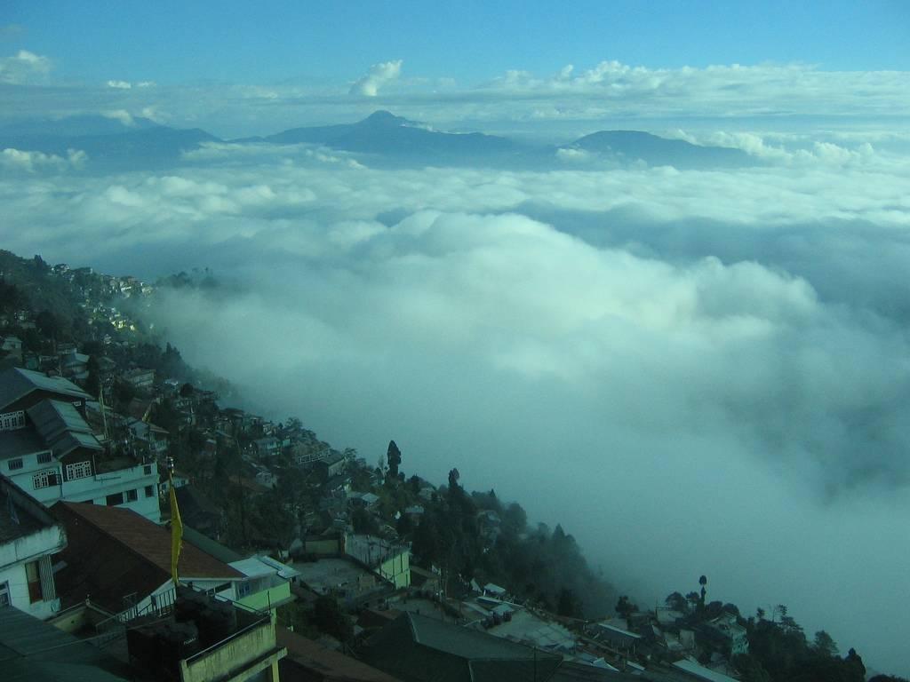 Darjeeling_Tourism_India.jpg