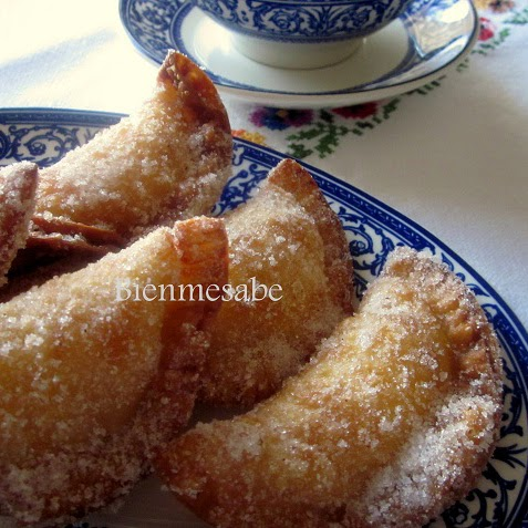 http://bien-me-sabe.blogspot.com/2014/03/empanadillas-dulces-rellenas-de-natillas.html