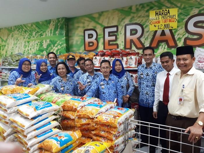 Pemprov Melakukan Sidak Beras Di Pasar Super Market Di Bandar Lampung