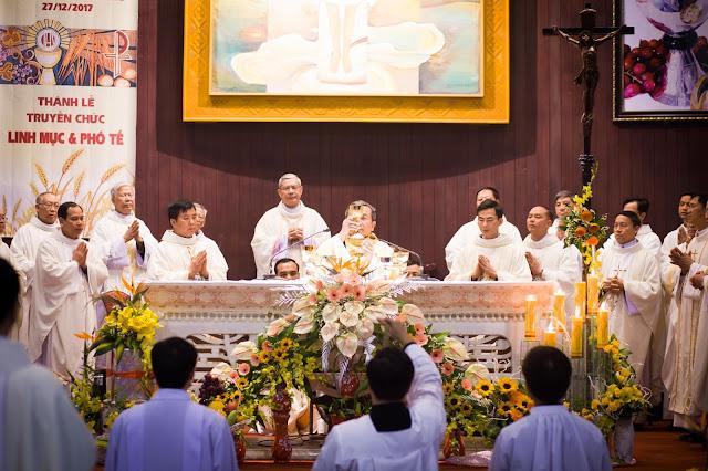 Lễ truyền chức Phó tế và Linh mục tại Giáo phận Lạng Sơn Cao Bằng 27.12.2017 - Ảnh minh hoạ 46