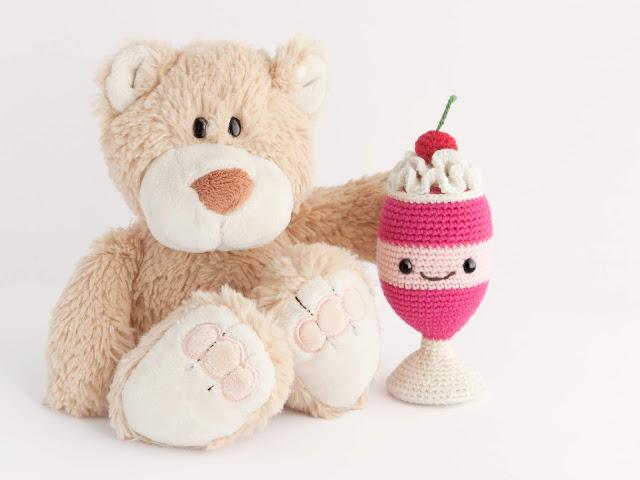 amigurumi-batido-fresa-milkshake-crochet