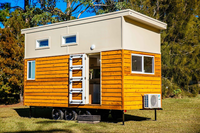 Designer Series Tiny Homes Com: TINY HOUSE TOWN: Graduate Series 6000DLS By Designer Eco Homes