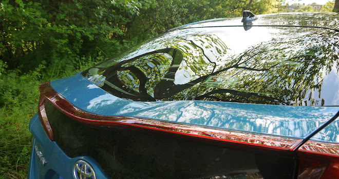 Toyota Prius Plug-in curvy rear screen