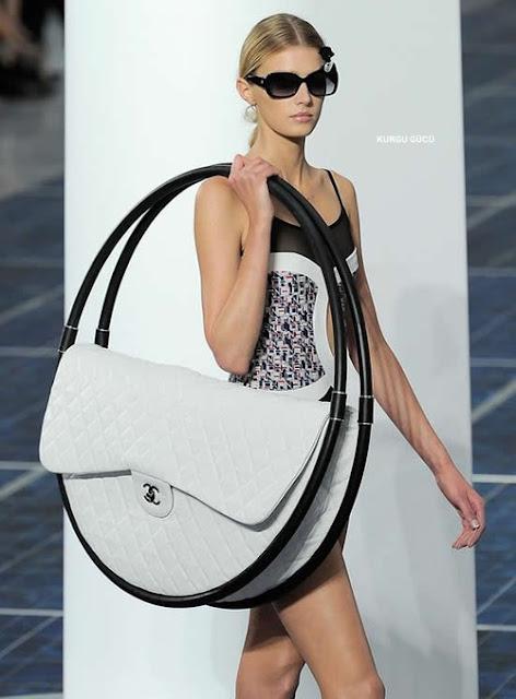 En İlginç Kadın Çantaları - Dev Büyüklükte Çanta - Kurgu Gücü