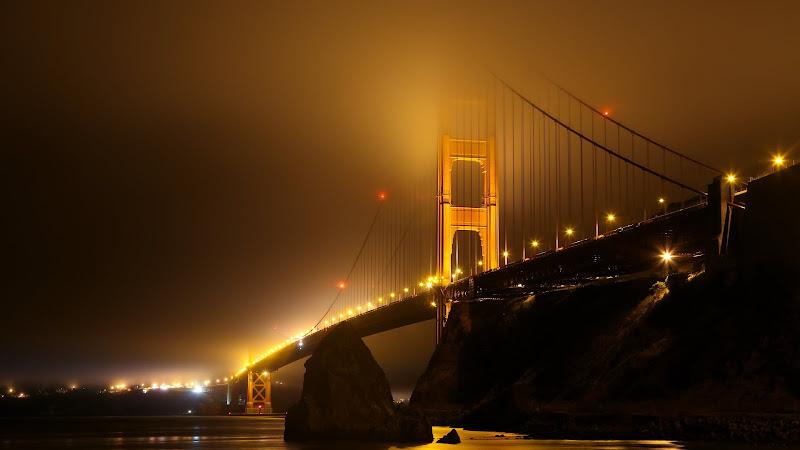 Golden Gate Bridge Covered in Fog HD