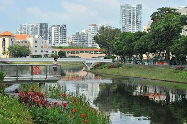 """Singapore đã """" xanh hoá """" các bờ kênh của họ như thế nào?"""