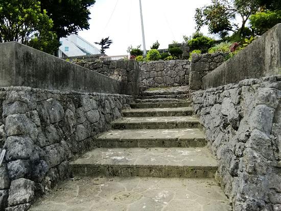 志多伯神谷の門構えの写真