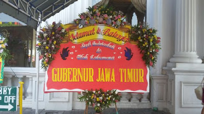 bunga papan wedding surabaya