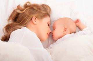 Anak menyusu badan lebih manja dan rapat dengan ibu