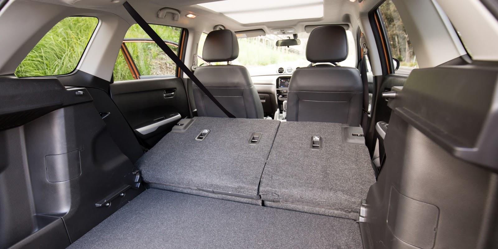 Nếu muốn rộng hơn nữa, hãy hạ hàng ghế thứ hai xuống, khoang hành lý để đồ thoải mái